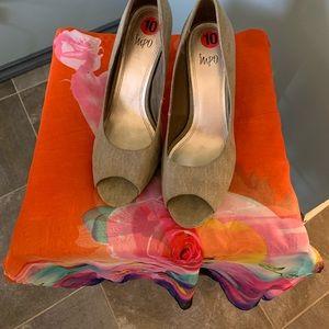 Impo green fabric 3 inch heel shoe